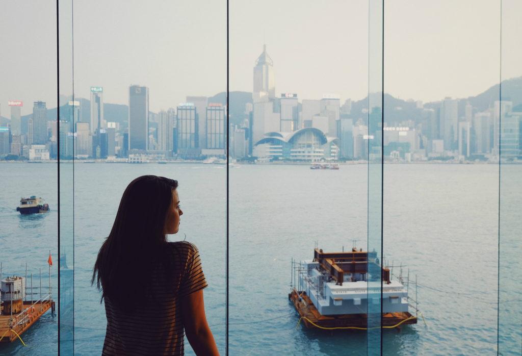 Co Cię powstrzymuje przed przeprowadzką za granicę?